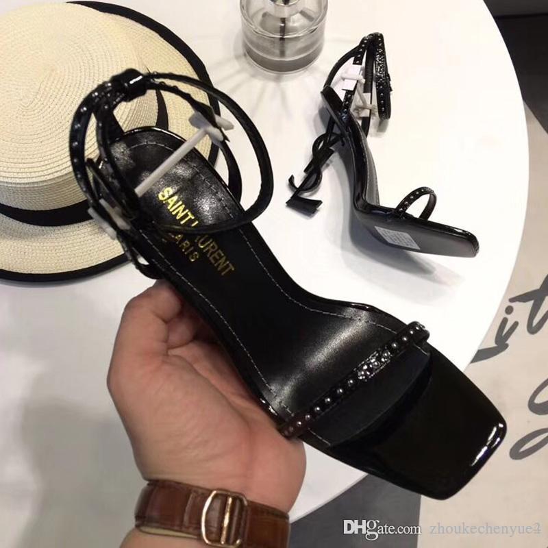 a812853bc1d Compre 2018 Zapatos De Marca De Lujo De Las Mujeres Sandalias De Gladiador  Mujeres Zapatos De Cuero Diseño Geométrico Sandalias De Moda Zapatos Mujer  A ...