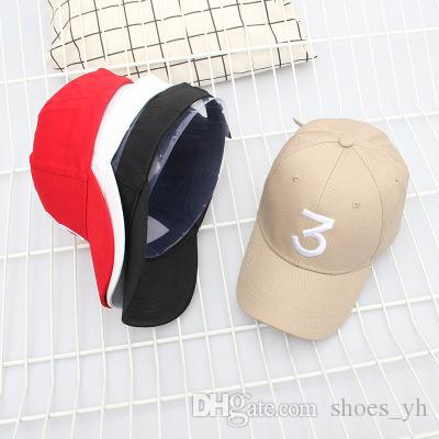 2018 wholesale Hat Winter Men Women Baseball Hat Embroidery Figures 2 solid color trendy couple bend Yan shade cap Figures 2 Ball Caps