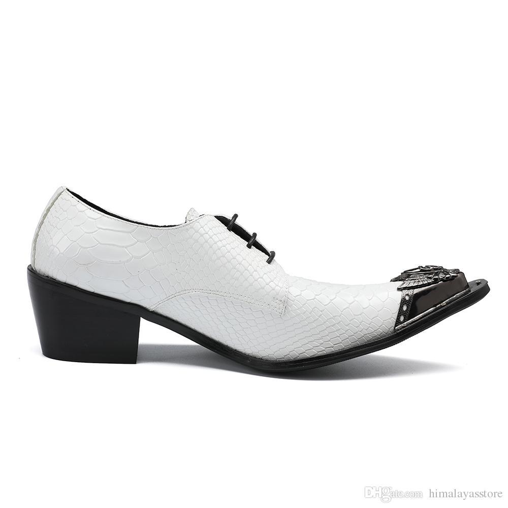 2018 Nova Moda Branco Lace Up Oxfords Sapatos para Homens De Metal Toe High Aumentar Vestido Sapatos