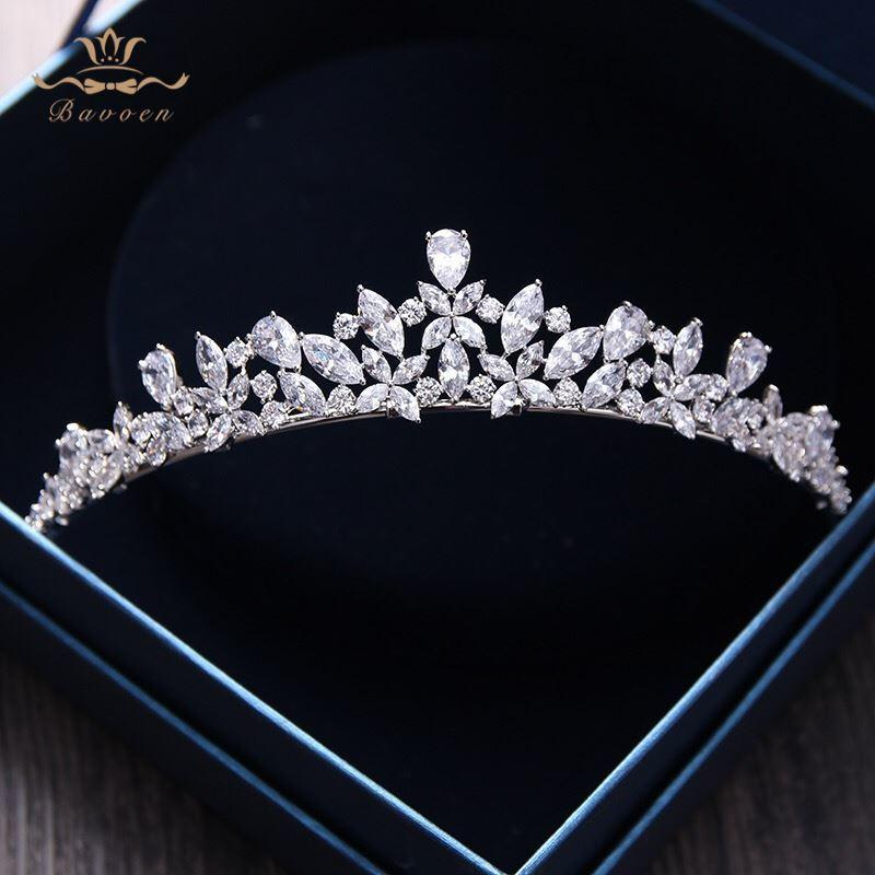 Bavoen Elegant Sparkling Zircon Brides Tiaras Headpieces Plated Crystal Bridal Crowns Headbands Wedding Dress Hair Accessories C18112001