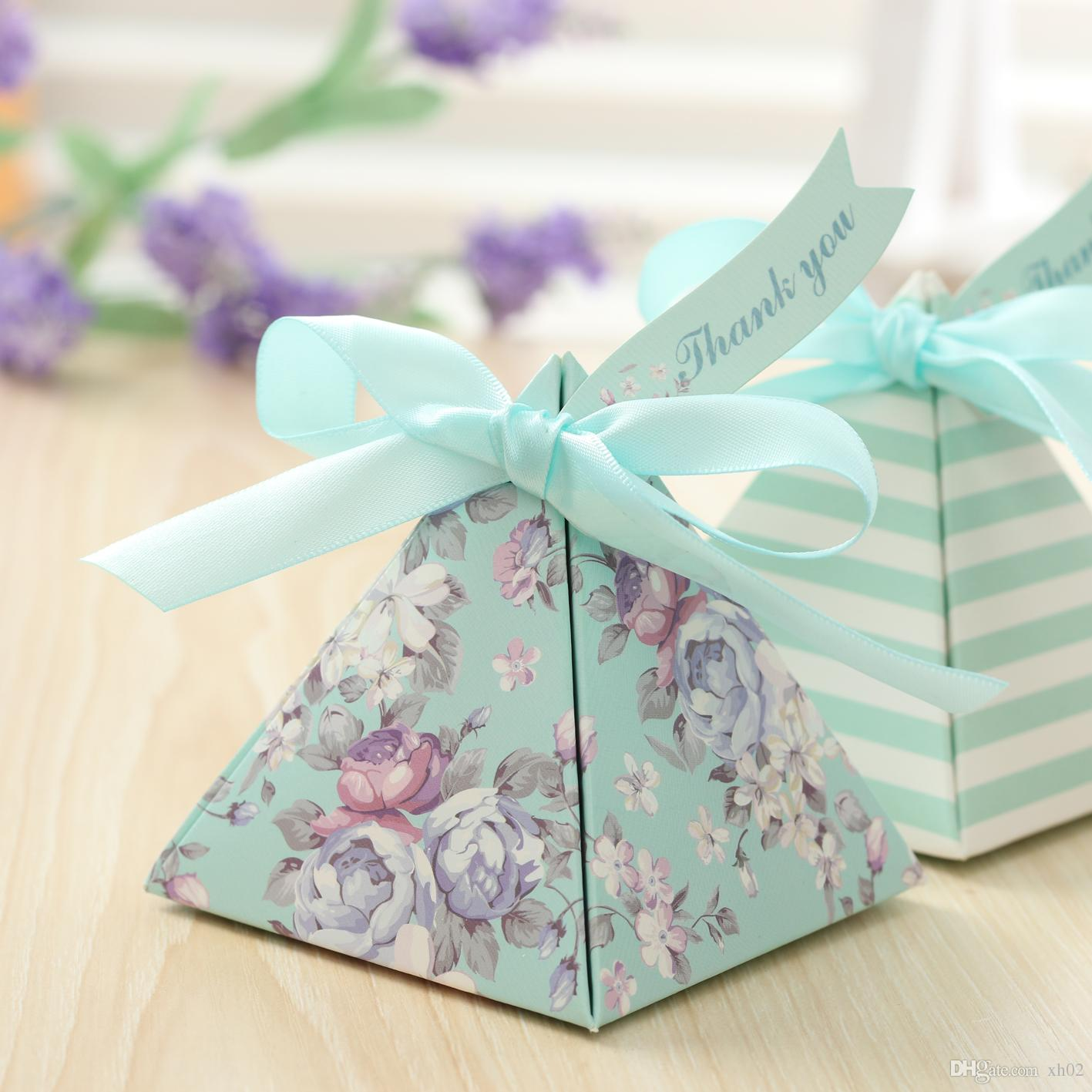 Blue Flower Gift Box Striped Triangular Pyramid Wedding Favors Candy Boxes Party Chocolate Gifts Ribbons Tags Chinese Favor Cheap