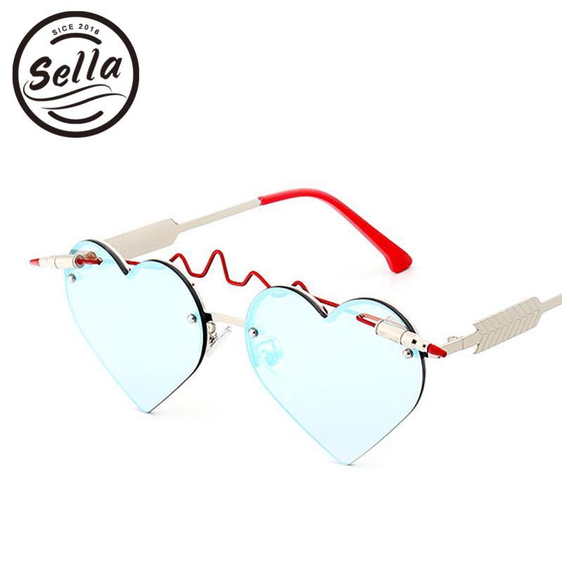 a80387e6b3 Compre Sella Nueva Moda Mujeres Sexy Forma De Corazón Espejo Lente Gafas De  Sol Diseñador De La Marca Marco De La Tendencia Trending Ladies Eyewear  Frame ...