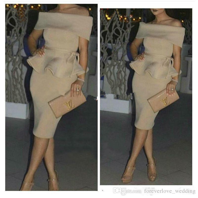 2018 Off the Shoulder Sheath Robes de bal Cocktail Champagne Nu teint Dubaï Robes de soirée bon marché Arabe Femmes Robes de soirée courtes Wear