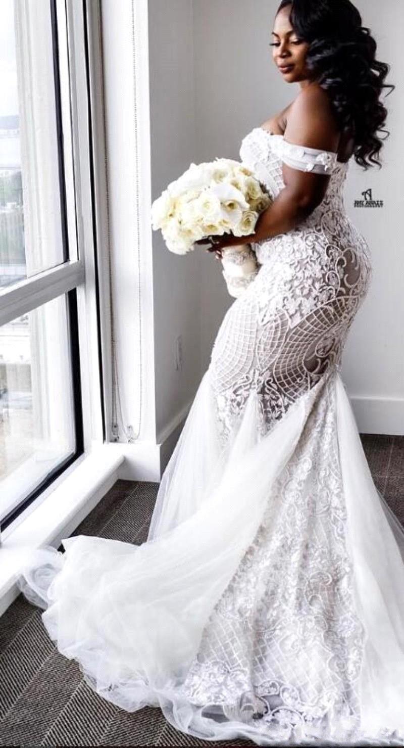 겸손 플러스 사이즈 웨딩 드레스 인어 오프 어깨 아가 트럼펫 신부 가운 스윕 기차 얇은 명주 그물 레이스 웨딩 드레스 BA4945