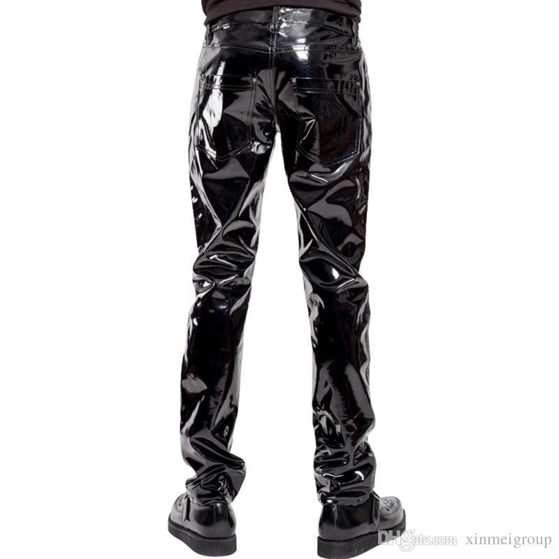 b193dc963adf Moda para hombre elástico de piel sintética pantalones de PVC motocicleta  librando negro Slim Fit Dance Party pantalones Wetlook pantalones de cuero  ...