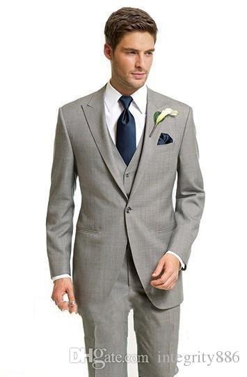 72a3685cff New Popular Light Grey 3 Piece Suit Men Wedding Tuxedos Peak Lapel One  Button Groom Tuxedos Men Dinner Prom Blazer(Jacket Pants Tie Vest) 69
