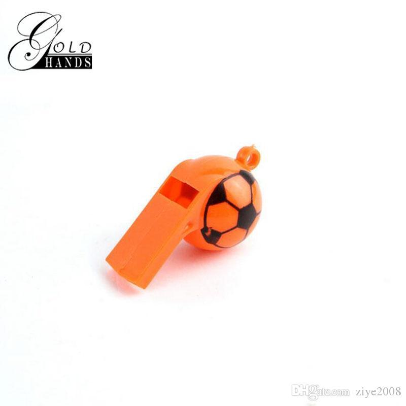 Neue spielzeug sport spiel zubehör World Cup cheerleader kunststoff whistle design einfarbig pfeife kinder spielzeug sport ball zubehör