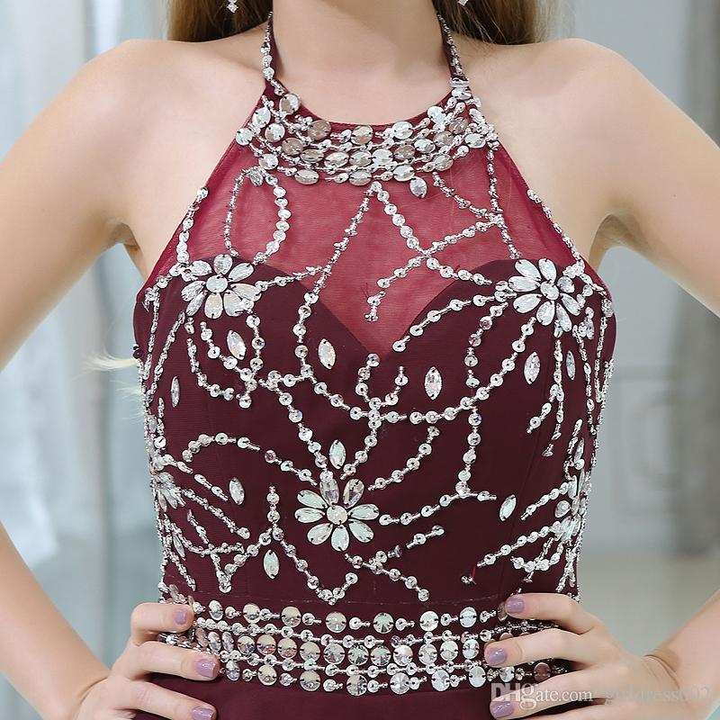 Abito da homecoming bordeaux 2018 New Style mini Crystals vestito da cocktail sopra il ginocchio Halter Off Shoulder