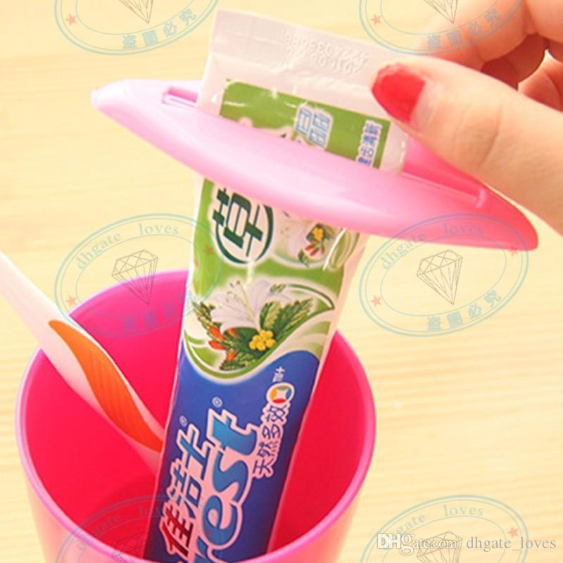 Sexy Hot Lip Kiss Baño Tubo Dispensador de Crema Dental Squeezer Home Tube Rolling Holder Squeezer GBN-138