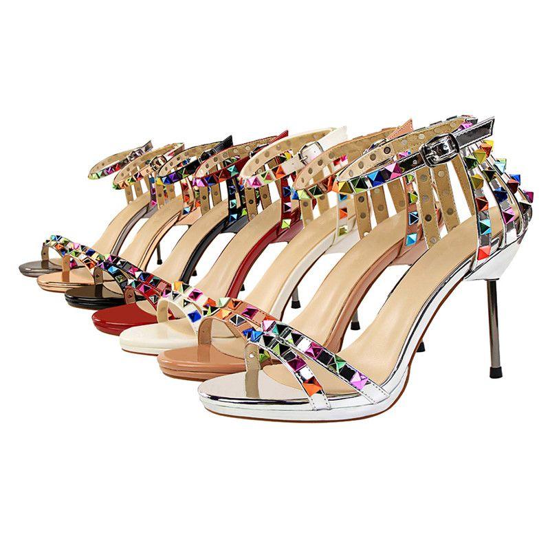 4715f8700a59d Europäischen und amerikanischen Stil sexy Damenschuhe High Heels weibliche  Sandalen bunte Nieten Cut-Outs Sommer 7 Farben Sommer Sandalen