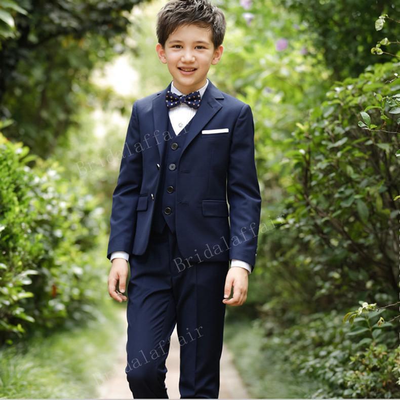 0a26f3e574116f Acquista KUSON Ragazzi Blazer Completi Kid Boy Prom Abiti Da Sposa Blu Navy  Set Completo Costume Formale Bambino 3 Pezzi 2018 Giacca + Pantaloni +  Gilet A ...