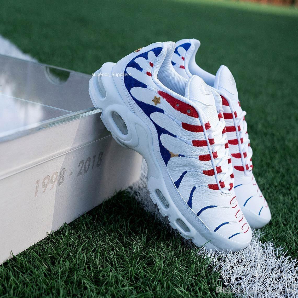 online store 43eb0 8c148 Acheter Nike Air Max TN Nouveau 2018 Marque Sport Hommes Chaussures New Air  Coussin TN Pour Hommes Noir Blanc Rouge Hommes Runner Sneakers Homme  Trainers ...