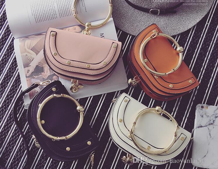 grand choix de b6590 c099c Nouveau sac de mode femme sac à main simple rivet femmes européennes et  américaines, sac à bandoulière, sac à main anneau métallique