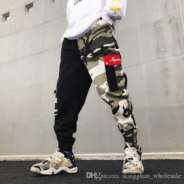 Acquista Camo Patchwork Cargo Pants Uomo Pantaloni Hip Hop Fashion Casual  Multi Pocket Pant Camouflage Streetwear 2019 Nuovo A  30.52 Dal  Dongguan wholesale ... ff9a12179677