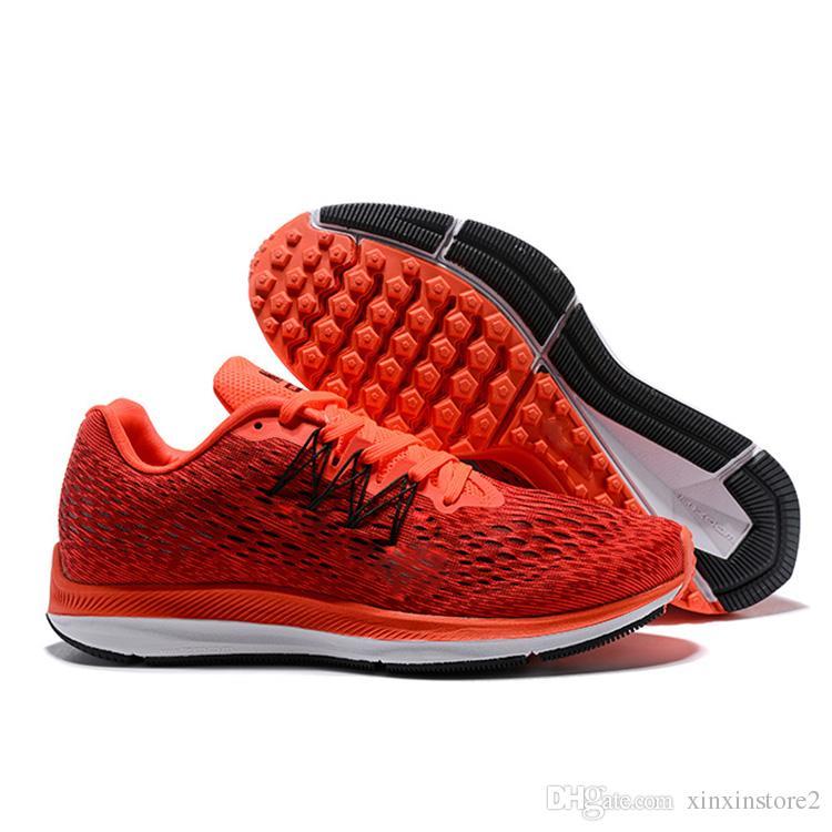 a93c3c2049ac1 Compre Nike Run Swift 2018 Venda Quente Zoom Winflo 5 PEGASUS V Sapatos  Casuais Para Alta Qualidade Preto Branco Azul Cinza Vermelho Homens Jogging  Tênis ...