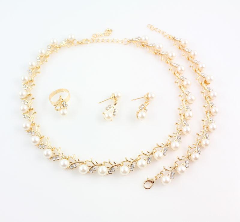 Venta al por mayor de moda de plata del color del cristal de la perla simulada joyería de traje de la boda establece collar pendientes establecidos para las mujeres nupciales