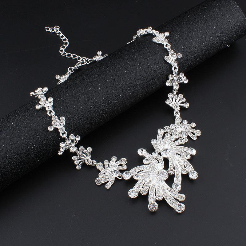 jiayijiaduo 2017 Wedding Jewelry Set Silver Color Necklace Earrings Sets for Women Dress hair accessories Crystal Flower