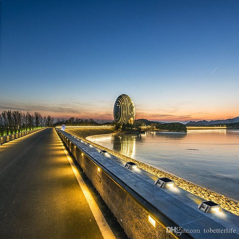 Luce ponte stradale a energia solare Vialetto di accesso Vialetto Scale Scala Viti di fissaggio Luce di via 6 LED Bianco Rosso Blu Giallo
