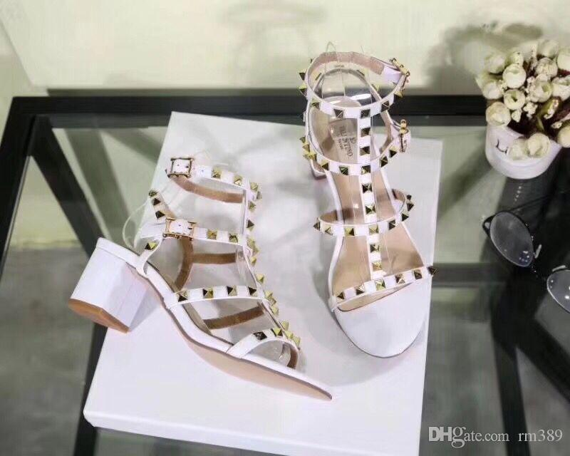 The 2018 women's fashion designer heels party rivet girl sexy dancing shoes wedding shoes with pointed shoes sandals