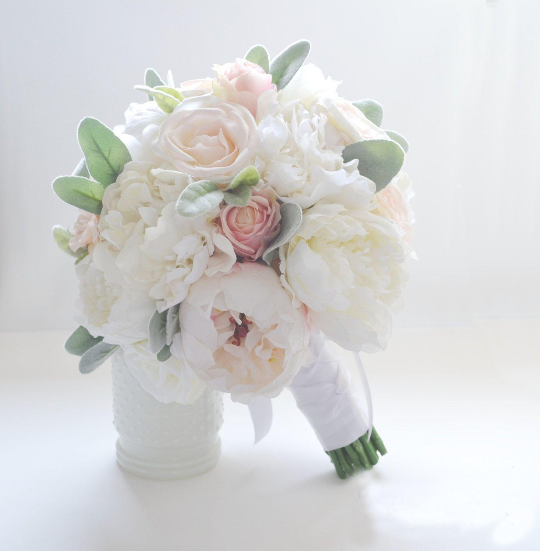 15cc2a22f514 Acquista Fiori Di Seta D avorio Peonie Bouquet Da Sposa Rose In Vendita Bouquet  Da Sposa Damigella D onore Con Fiori Decorazione Rustica Fatta A Mano Su ...