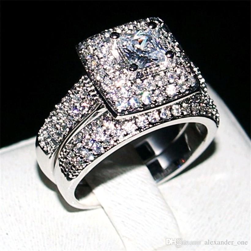d7de366a5212 Compre Moda 14KT Oro Blanco Lleno 2ct Diamante Cuadrado Pave Anillos De  Piedras Preciosas Conjunto De Dedos 2 En 1 Anillo De Bodas De La Joyería  Del Cóctel ...