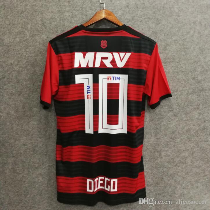 fcf087b68f Compre       Atacado 2018 Flamengo Camisa De Futebol Número Do Nome  Personalizado Diego 10 Uniformes De Futebol De Qualidade AAA Futebol  Jerseys Bigs ...