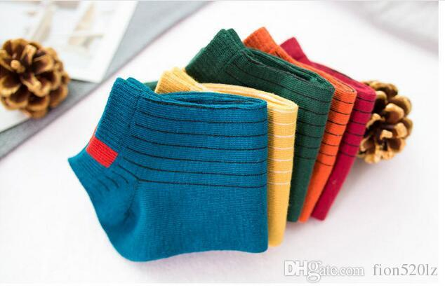 5 Paare / Los Art- und Weiseeinzelfarben-Druck-Baumwollniedrige Knöchelsocken No-zeigen weiche und bequeme Sportsocke für Frauen-Mädchen im Frühjahr