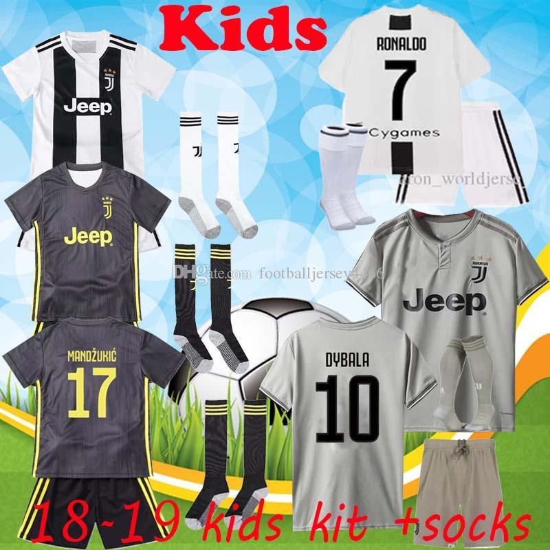 2018 2019 Juventus Kids Soccer Jersey 7 RONALDO BUFFON DYBALA D. COSTA  MANDZUKIC PJANIC Personalizado Local Visitante 3 18 18 Camiseta De Fútbol  Para Niños ... b5373b27be8ec