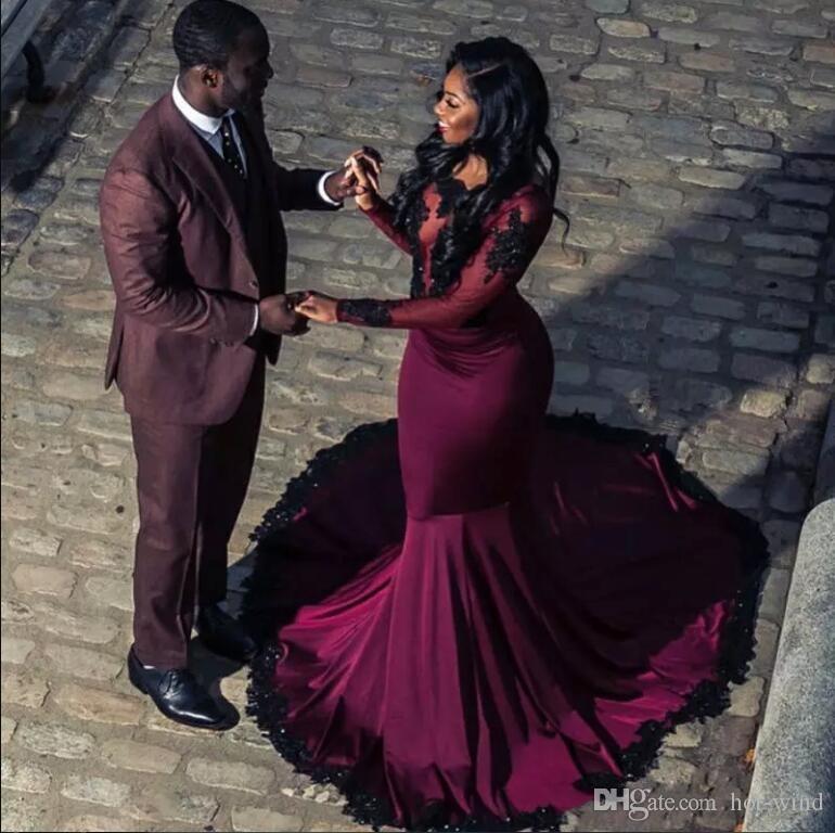 2018 Borgogna africana Prom Dresses Sheer Maniche lunghe con applicazioni nere Pizzo Mermaid Partito formale Abiti da sera Abiti da Fiesta