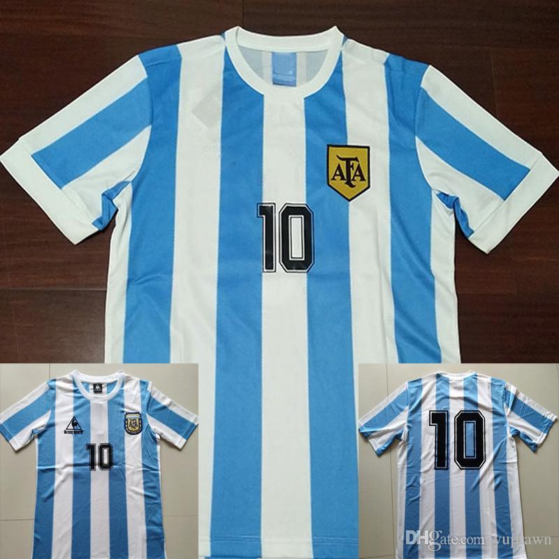 c158a92fc3 Compre 86 Argentina Retro Camisa De Futebol Maradona 1986 Vintage Classic  78 Argentina Maradona 1978 Camisas De Futebol Maillot Camisetas De Futbol  De ...
