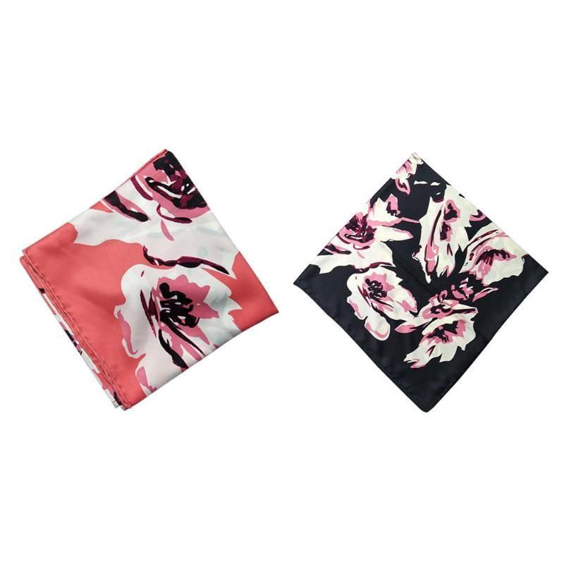 Acheter Mode Femmes Fleur Imprimer Carré Foulard Rose Châle Col Cravate  Wrap Band Cadeau De  19.36 Du Fenkbao   Dhgate.Com cde8e7d7ffd