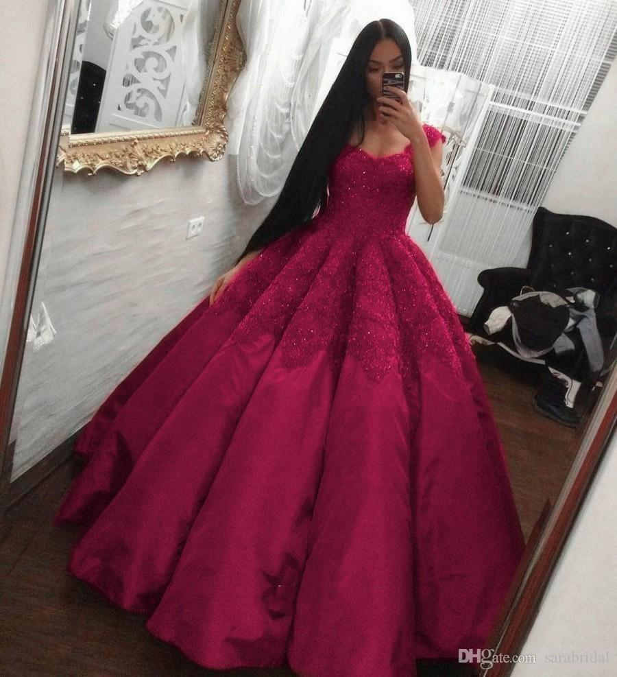 eb50ffcb51 Vintage Fuchsia Quinceanera Dress V Neck Lace Applique Beaded Corset Satin  Ball Gown Prom Wear Sweet 16 Dresses Vestido De 15 Anos Arabic Canada 2019  From ...