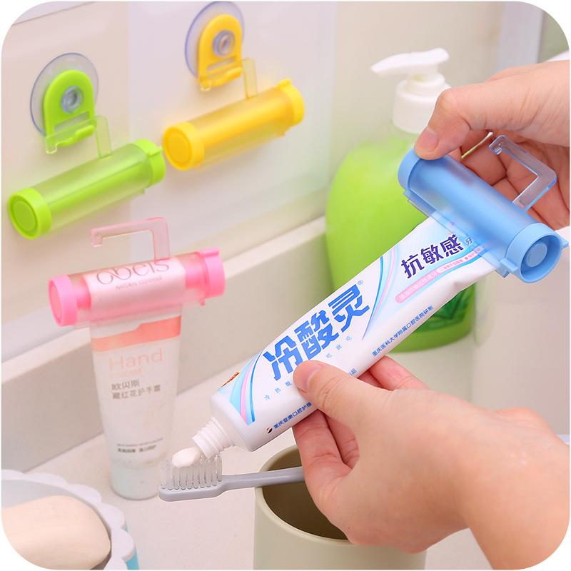 2pcs Creative manually toothpaste dispenser Rolling toothpaste squeezer Tube Partner Sucker Hanging Holder bathroom accessories