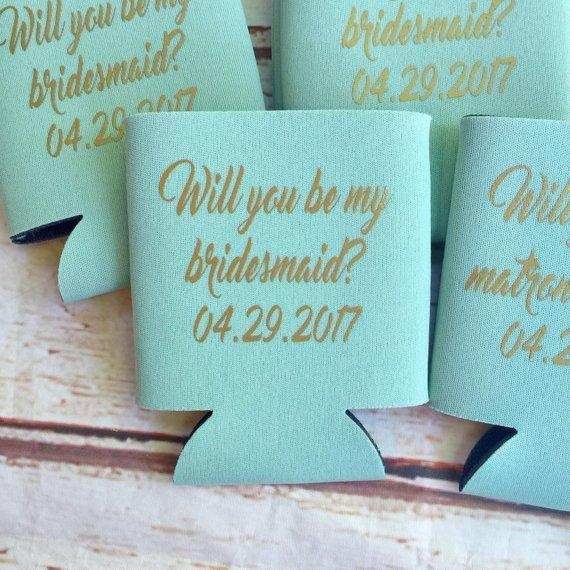 Csutomize Wedding Bridesmaid Proposal Gifts Drink Coolers Bachelorette Survival Kit Bottle Beer Can Holders Beverage Insulators Boy Party Favors Boys