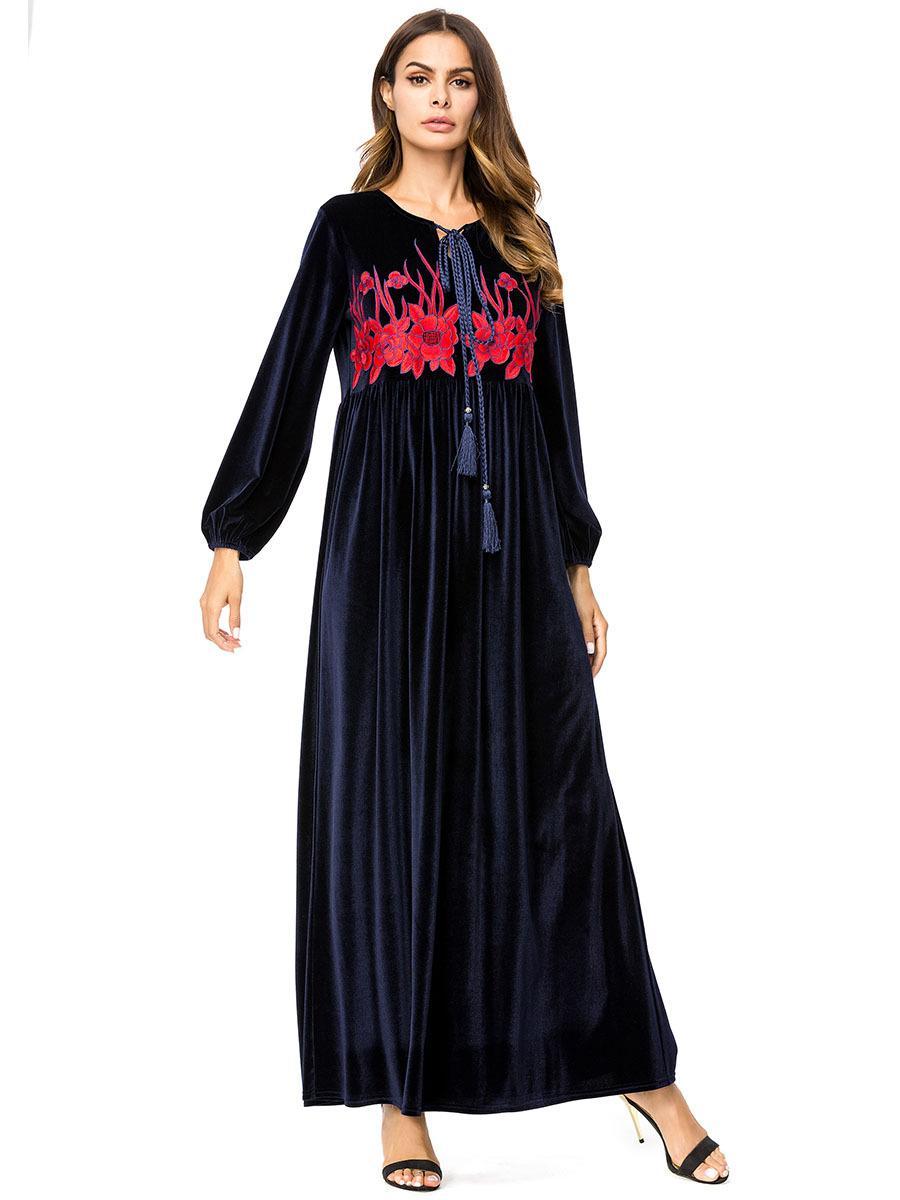 fc922f2de7 Compre 187215 Mujeres Musulmanas Bordadas A Mano Vestido De Manga Larga  Musulmán Delgado Túnicas Caftanes Vestidos De Mujer Para Musulmanes Abaya  Vestidos ...