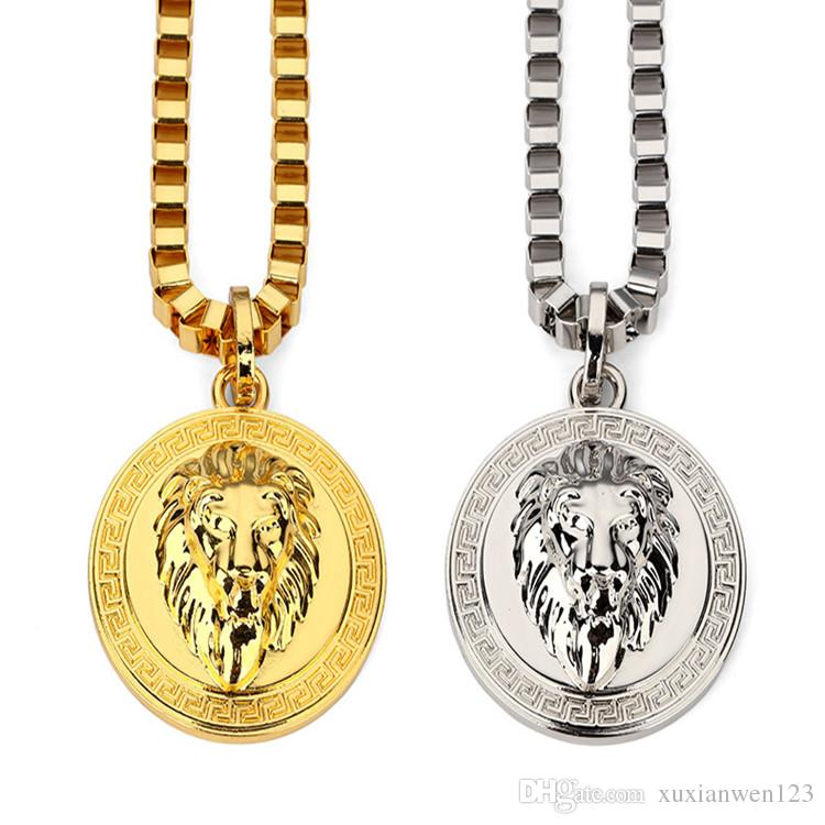 necklace jewelry venetian lyst chain gallery metallic medallion in gold versace