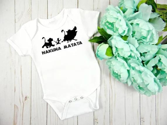 Personalize Hakuna Matata Kids T Shirts Birthday Baby Shower Bodysuit Onepiece Romper Outfit New Year Party Favors Small Gifts For Wedding Guests