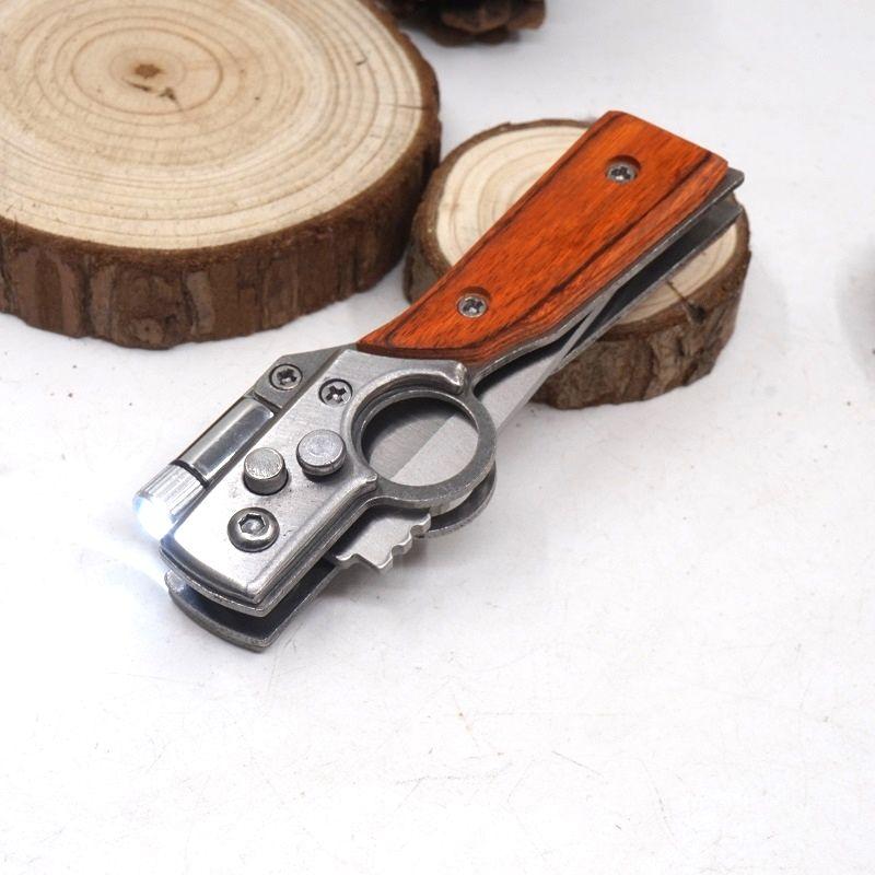 Kleine Größe AK47 Gun Messer Taschenklappmesser Taktische Camping 440 Stahl Klinge Holzgriff Outdoor EDC Werkzeug Überlebensmesser Mit LED-Licht