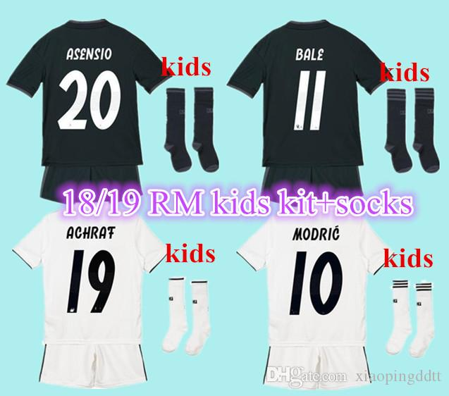 Compre Crianças Jersey 2018 2019 Childrend Real Madrid Casa Camisas De  Futebol 18 19 RONALDO ASENSIO BALA RAMOS ISCO MODRIC Futebol Camisa  Tailândia ... 6dd09b93a362a