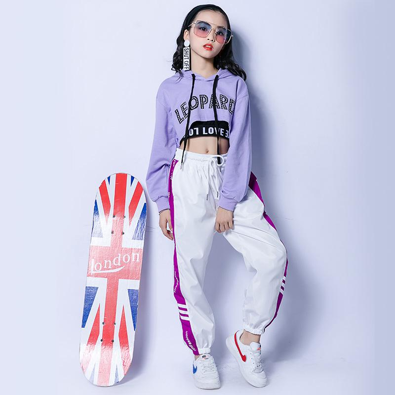 Compre Traje De Jazz Ropa De Hip Hop Para Niñas Púrpura Con Capucha Top  Chaleco Negro Pantalones Blancos Ropa De Baile De Calle Rendimiento  Desgaste ... 53de778706a