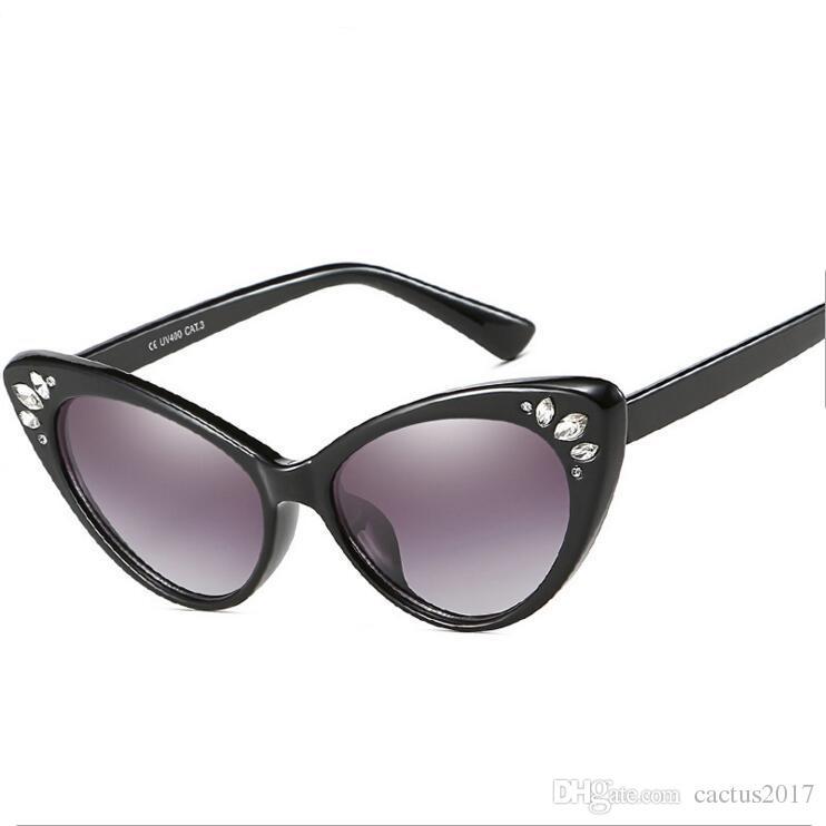 f7de8b1597 Luxury Cat Eye Sunglasses Women 2018 Rhinestone Sunglasses Female Sexy  Crystal Vintage Cateyes Sunglass Shades UV400 Sunglasses Uk Polarised  Sunglasses From ...