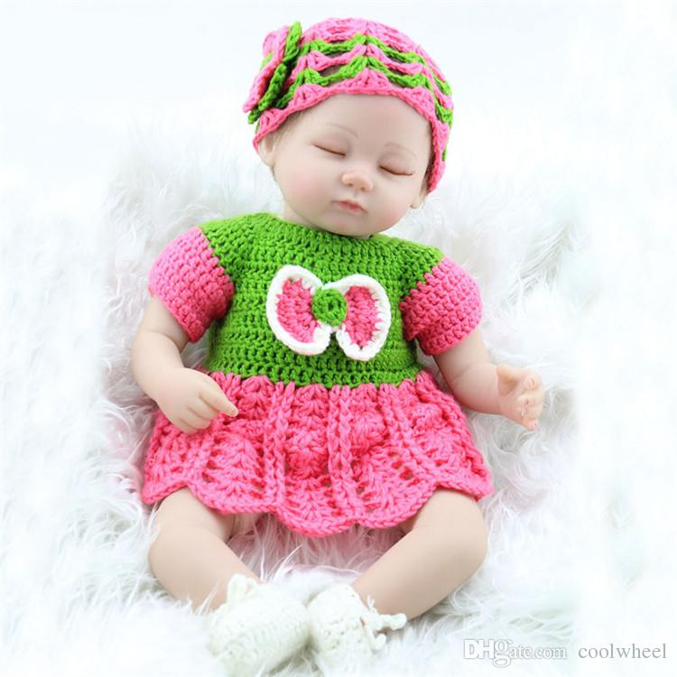Kid Playmate Closed Eyes Reborn Baby Doll 45cm 17 inch Babies Kids Toys Girl Juguetes For Children Gift Photgraph with Clothes
