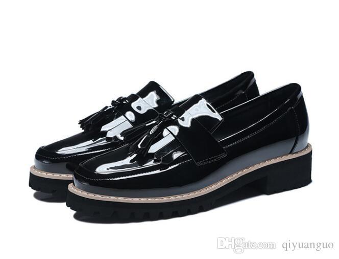 91aff0f8445af Großhandel Neue Beiläufige Schuhe Des Sommers 2018 Beschuht Schuhe Eines  Pedals 2019 Neue Frauen Von Qiyuanguo