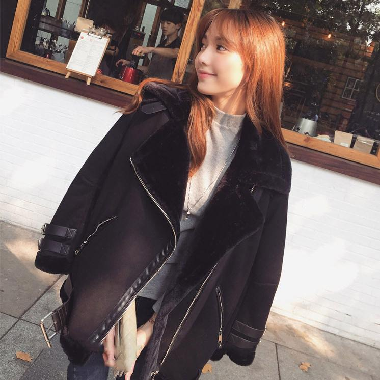 b874475fddcf5 2019 Women Faux Fur Jacket Suede Leather Zipper Motorbiker Coat Winter  Bomber Warm Thick Outwear Causual Fur Lining From Tutucloth