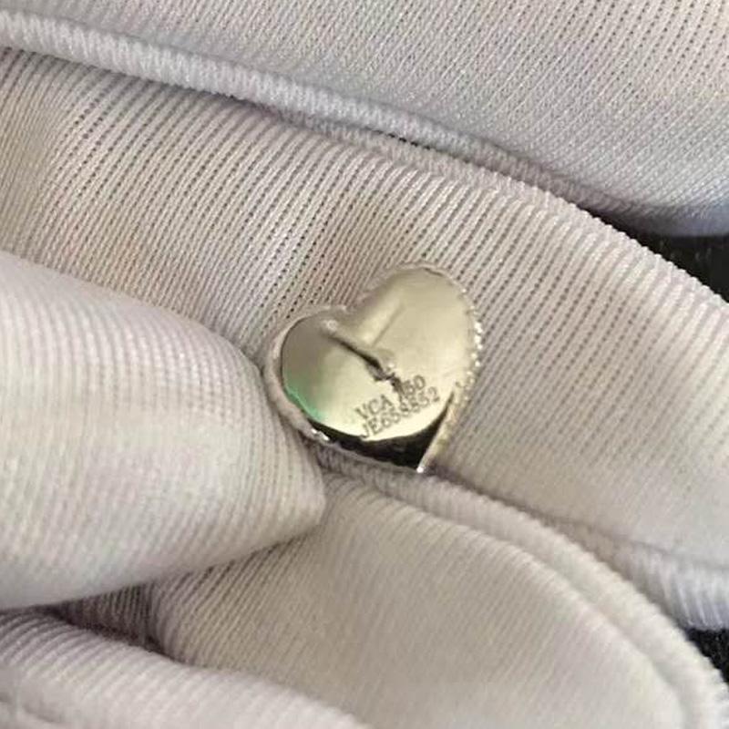 Heißer Verkauf Titan Stahl Herz Liebe Ohrstecker weibliche Modelle koreanische Version rote Rose Gold Achat mit VCA Logo Ohrringe Großhandel