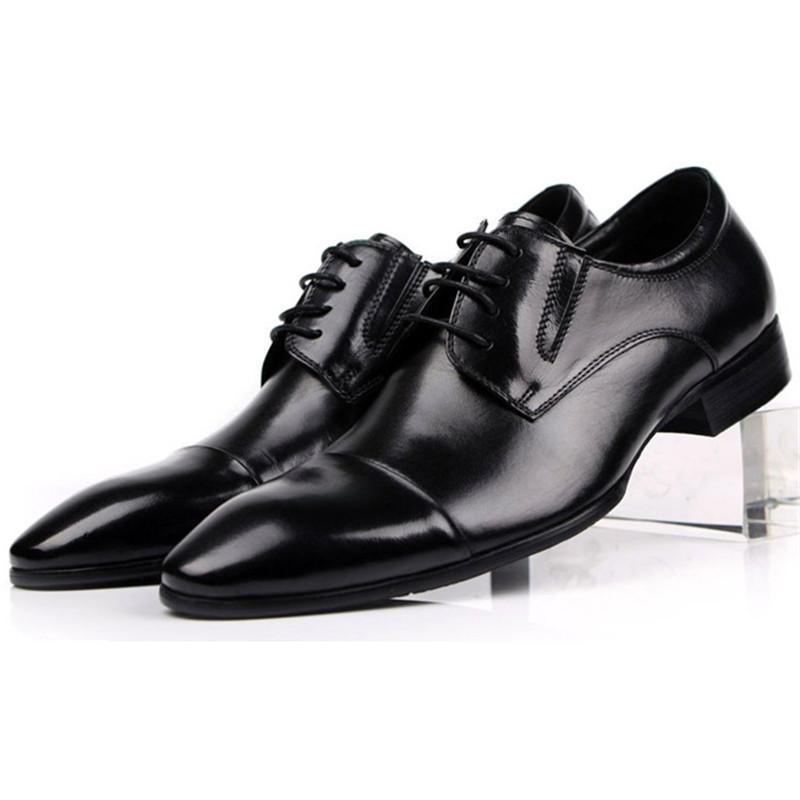 25583e5131 Compre Tamanho Grande EUR45 Tan Marrom   Preto Toes Cap Oxfords Sapatos De  Negócios Dos Homens De Couro Genuíno Prom Dress Shoes Masculino Casamento  De ...