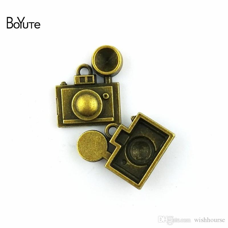 BoYuTe / 22*25MM Antique Bronze Plated Alloy Camera Charm Pendant Diy Metal Bracelet Necklace Jewelry Accessories Handmade