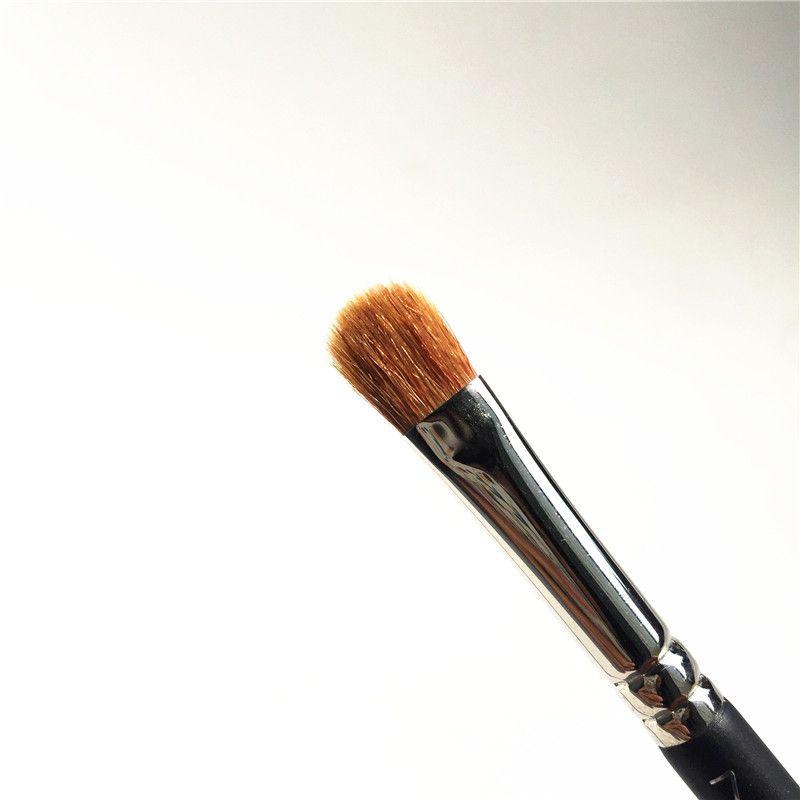 MACJAPAN 242 Shader Brush - Perfect Eyeshadow Concelaer Brush - Beauty Cosmetic makeup brushes Blender
