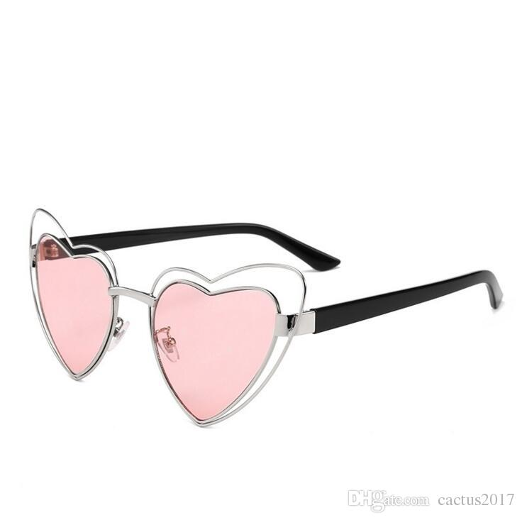 df8dc65a49 Summer 2018 Pink Heart Shaped Sunglasses Women Sweet Heart Vintage Metal  Frame Hollow Sun Glasses For Women 2018 Female Gift Party Sport Sunglasses  ...