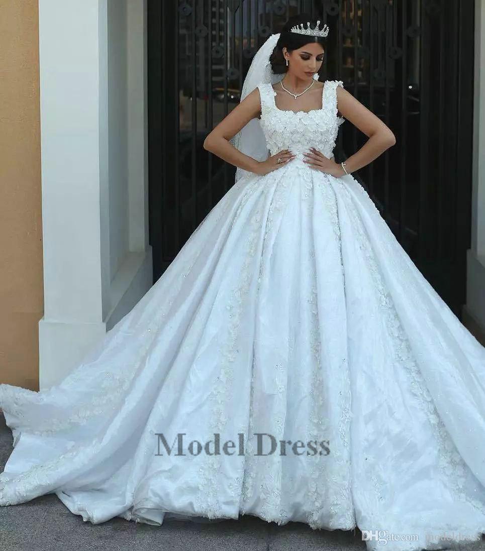Designer Marke Ballkleid Brautkleider Mit Spitze Appliques Ärmellos Gericht Zug Dubai Handgemachte 3D Blumen Low Back Luxus Brautkleid